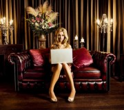 women-online-shopping