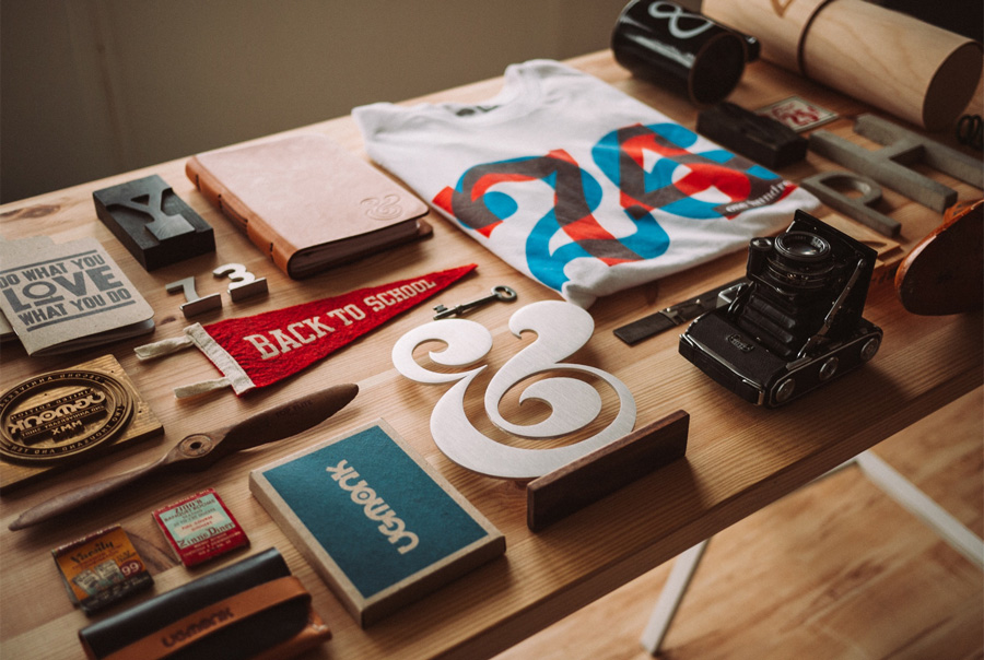 creative-designer-office-desk
